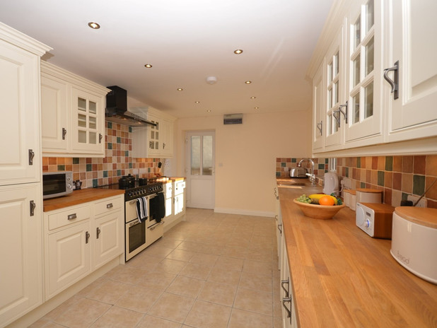 Birch View at Meare - kitchen area 2.jpe