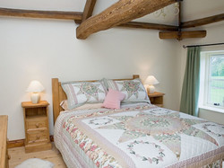 Double bedroom Bridge Farm Holiday Cotta