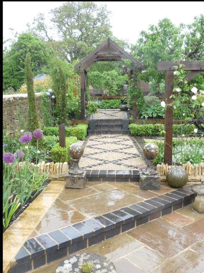 Lucy Shaw Garden Design - cottage garden