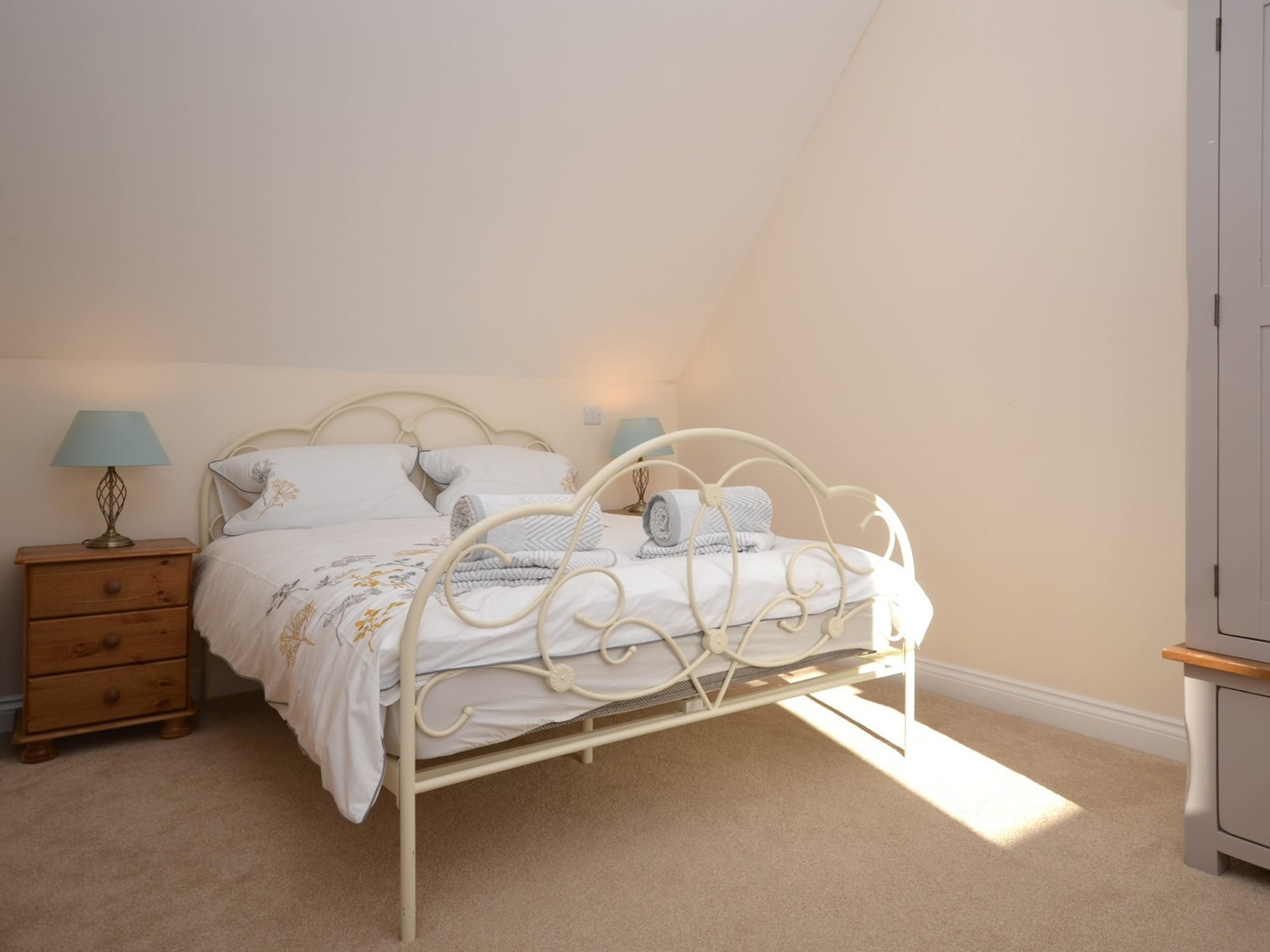 Birch View at Meare - double bedroom.jpe