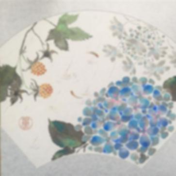 母の日に何を贈ろうか_迷いに迷っていたところ、_裏庭に木苺を見つけ、_義母にプレゼントしようと_「紫陽花と木苺」の色紙を描きました。_今日は、梅雨かと思わせるような_雨が降ってま