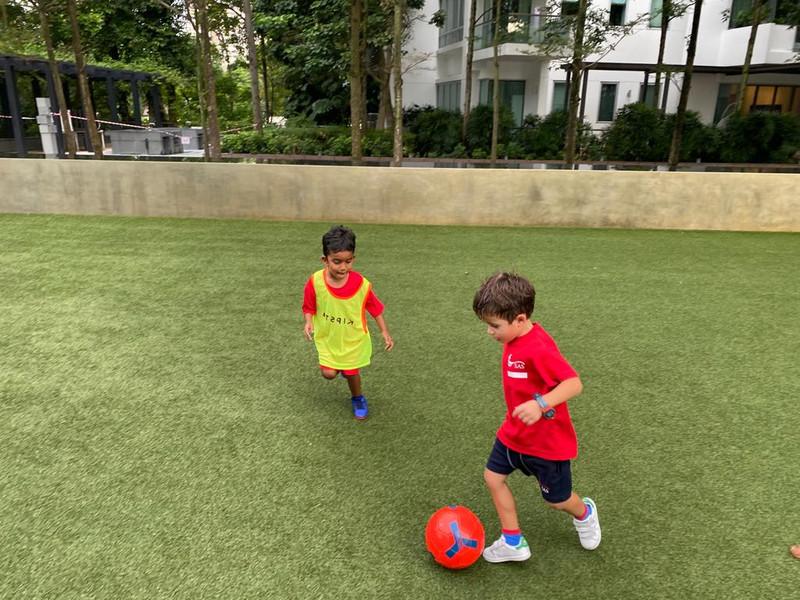 Start 'em young at SG United Soccer!
