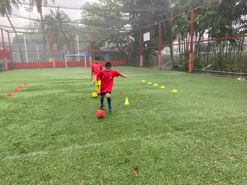 SG United Soccer Foot Drills