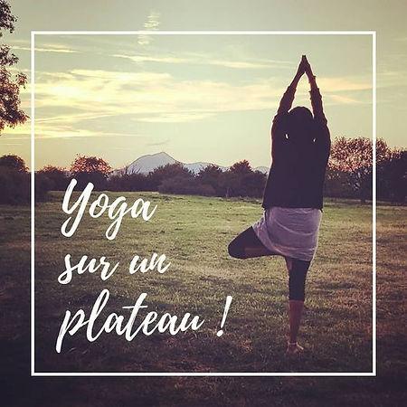 Yoga Plateau de Gergovie.jpg