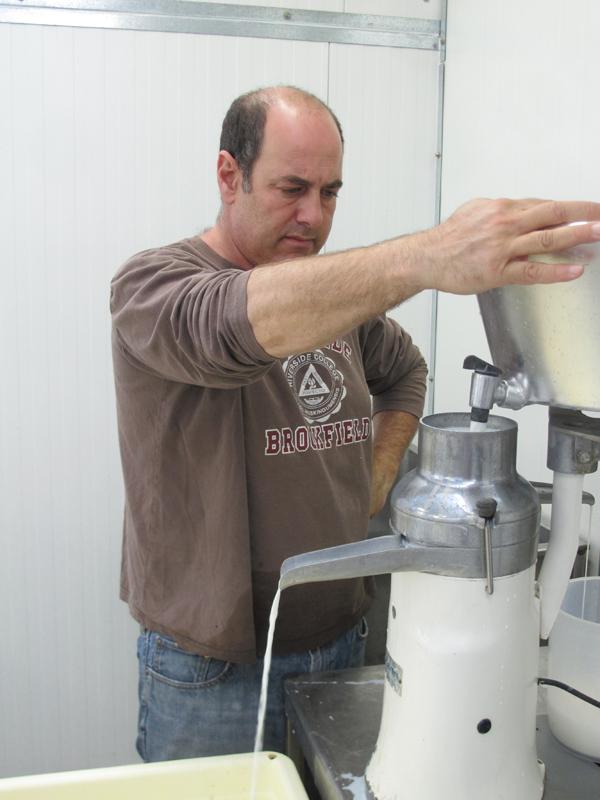 הפרדת שומן - מחלבה חוות רוזנברג