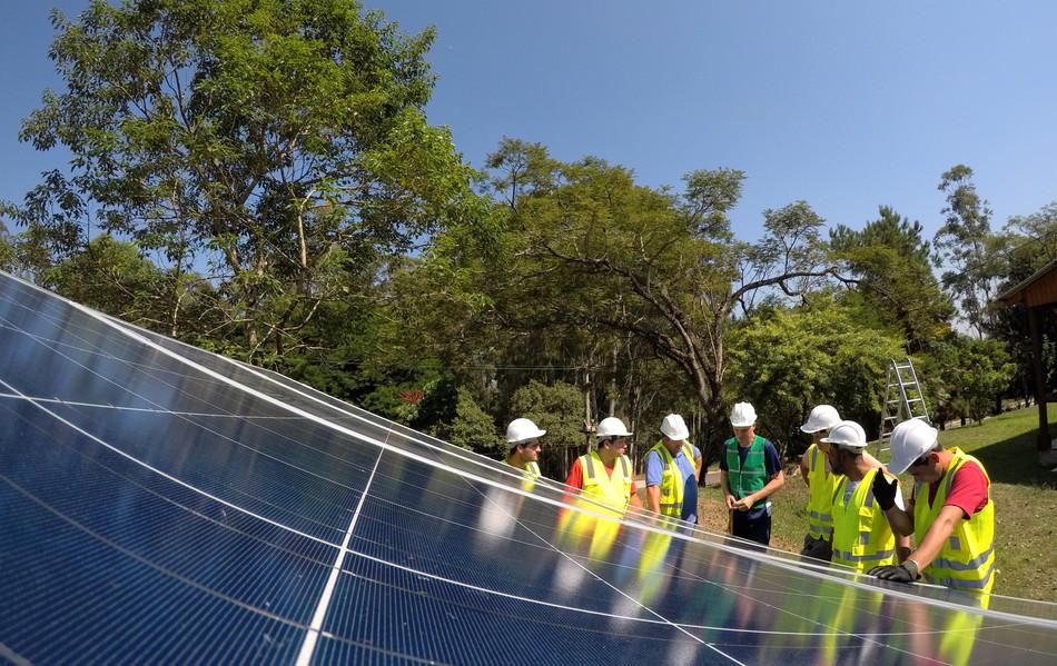 Instalação da usina de geração fotovoltaica