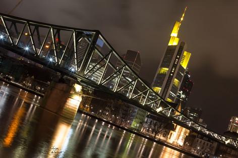 Frankfurt_Brücke.jpg