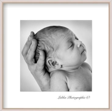 Baby_close_up_BW_Lubka©.jpg