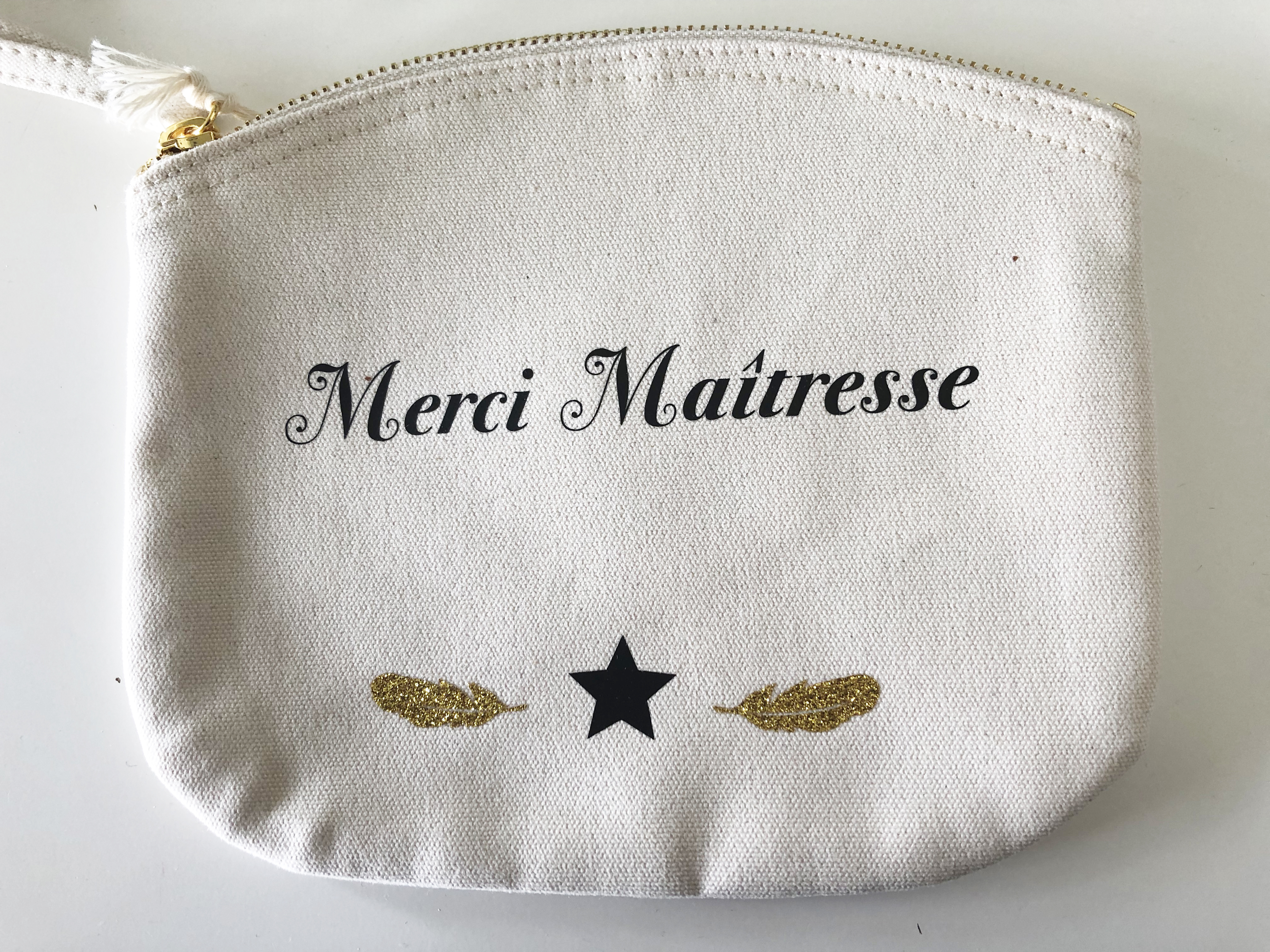 Cadeau maitresse- TrousseBeigeMerciMaitresse2