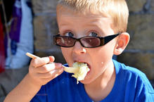 zz cute boy corn ice cream DSC_3940.jpg