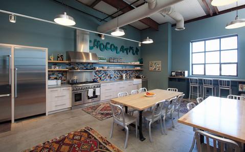DM_120419-046_kitchencorner.jpg