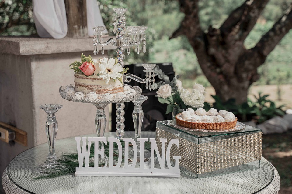 Silver wedding cake decoration