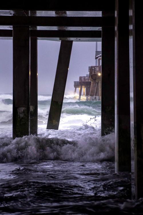 Rough Seas at Jennette's Pier