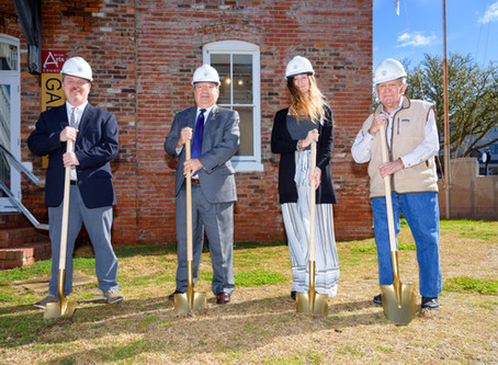 Dare County Arts Council Breaks Ground For New Courtyard