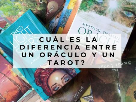 ¿Cuál es la diferencia entre un oráculo y un tarot?