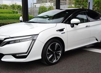 NBオンラインの連載第53回はホンダの燃料電池車について取り上げました
