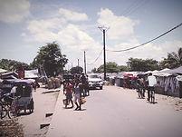 マダガスカルの市場_edited.jpg