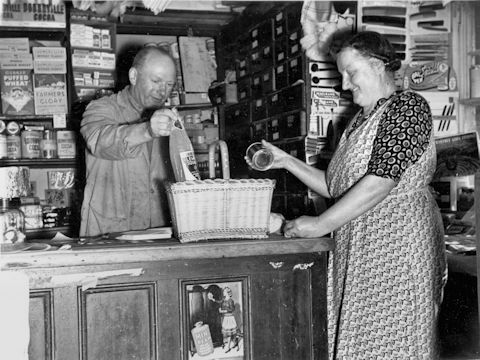 Vic Sadler serving Nellie Percival GVS