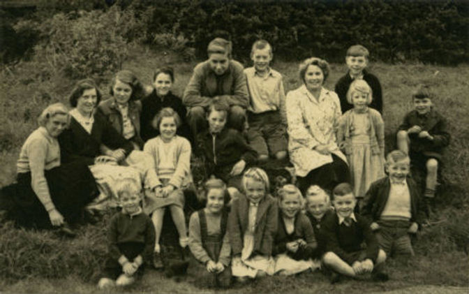 Mrs Knifton and Cross Lanes pupils, 1953