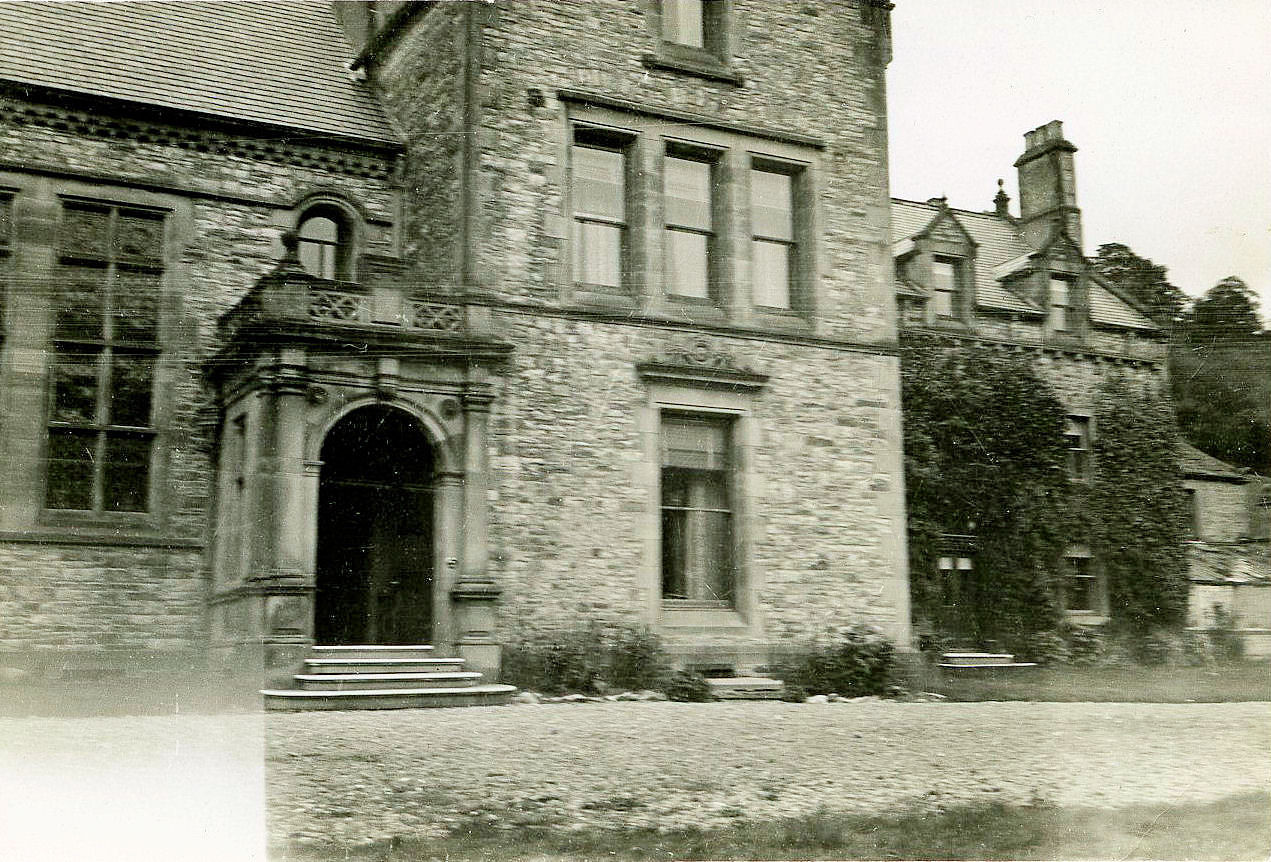 Close up of the grand entrance, courtesy of Rowly & Margaret Fawcett.