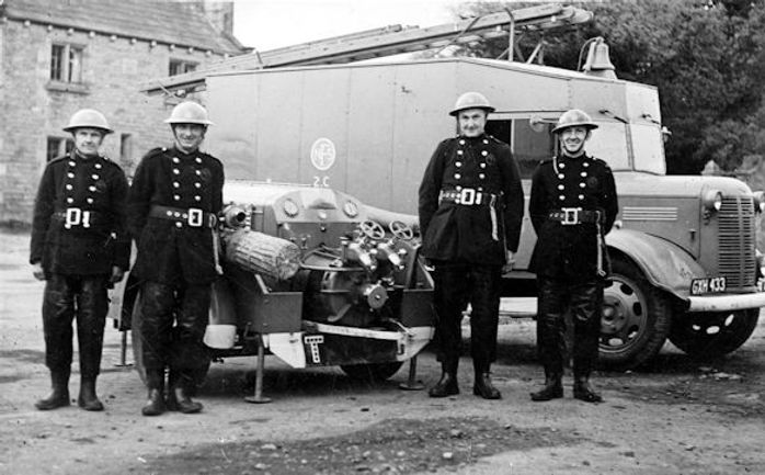 Leyburn Fire Brigade F. & M.E. Snaith, c.1943
