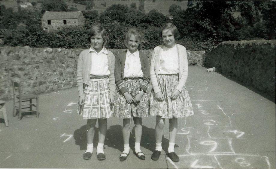 Three girls, Cross Lanes pupils, 1964