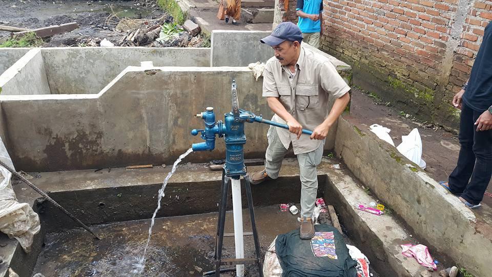 Pembuatan sumur pasca banjir bandang sungai cimanuk garut