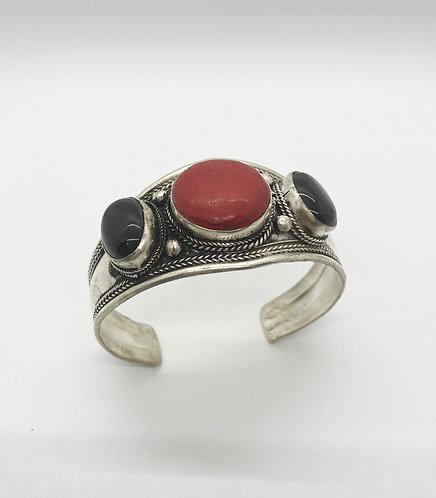 Ethnic Handmade Coral/Onyx Cuff Metal Bracelet