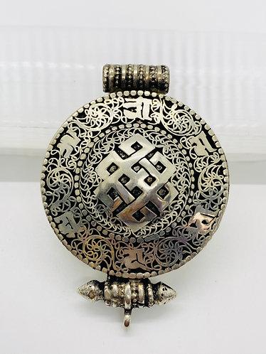 Ethnic Filgiri Design Handmade Endless Knot Pendant