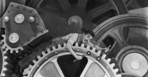 Cena do filem Tempos Modernos de Charles Chaplin
