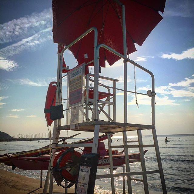 #goodmorningfromthebeach #turtlebeachandora #turtlebeachclub #lifeguard #bagninooooooooo