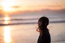 海と夕焼けと私