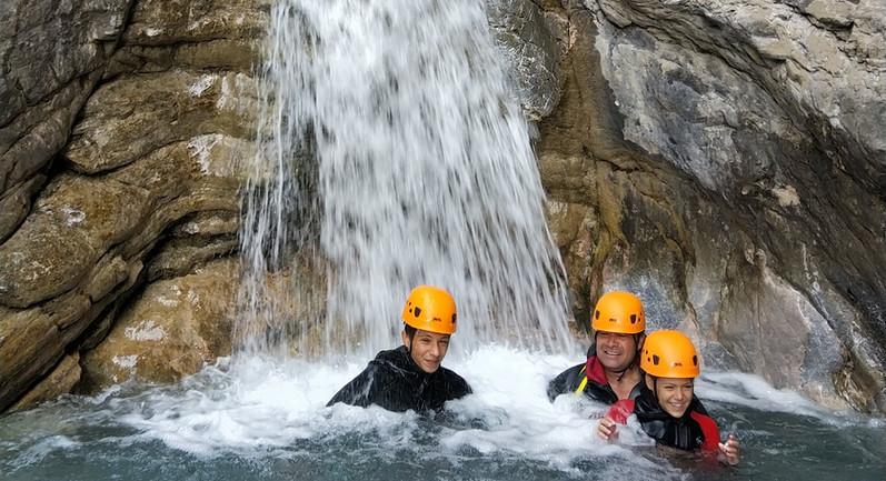 Canyoning l'ascension la roche de rame