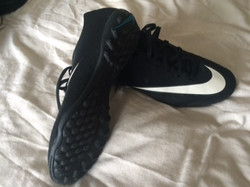 Nike CR7'S(trainers) UK Size 5 £20