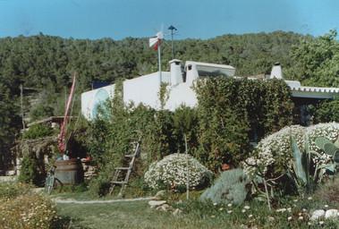1999 b-1.jpg