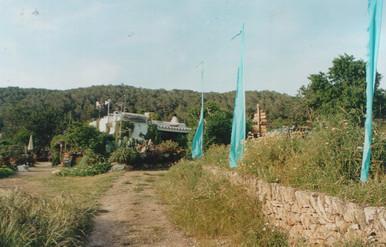 2002 a-1.jpg
