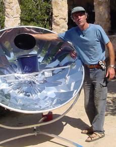 The solar cooker arrives in Casita Verde