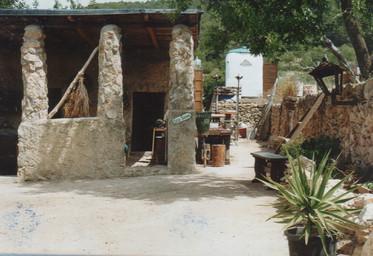 1998 b.jpg