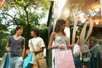 Casual fashion continues to draw US teen spend