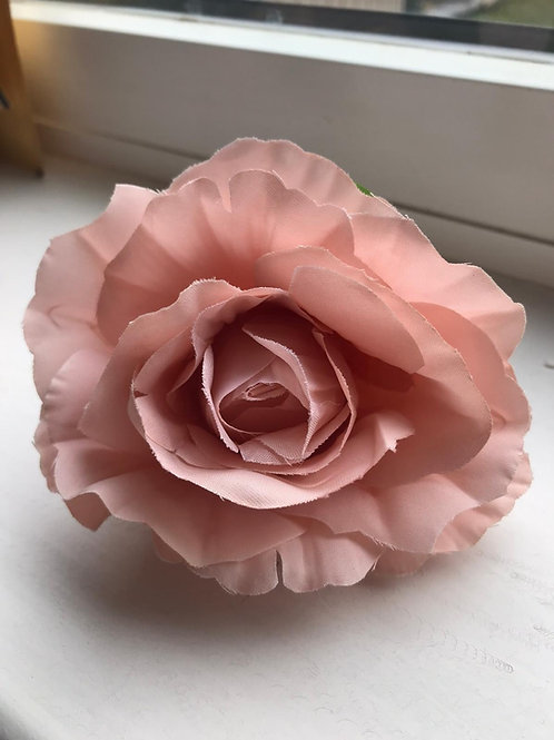 Rose flower heads in champagne pink pack of 10