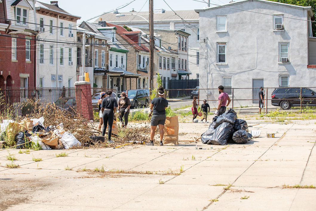 Jul24_community_clean_up_-34.jpg