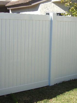 6 Ft. White Vinyl Fence