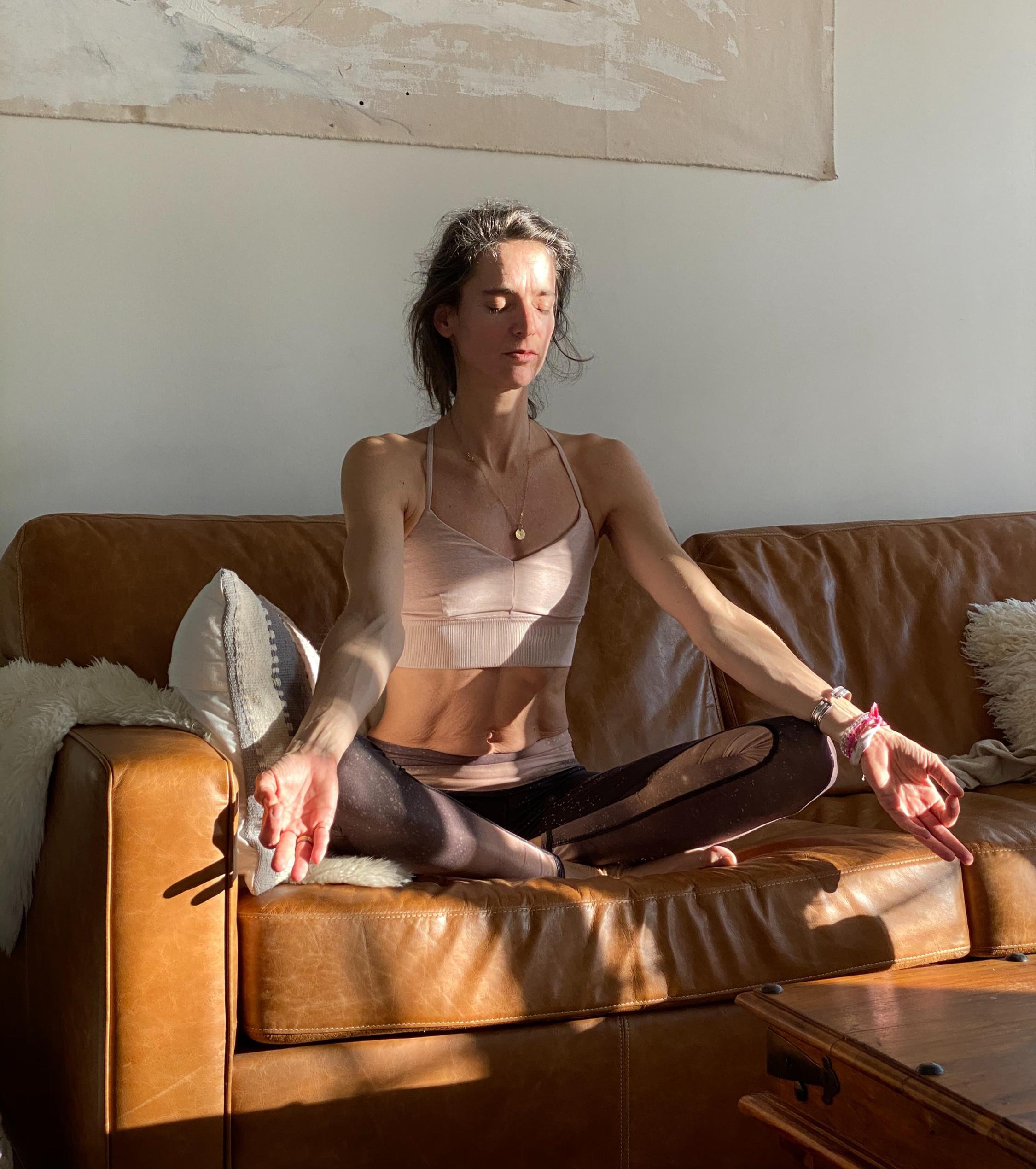 Deine persönliche live Yogastunde