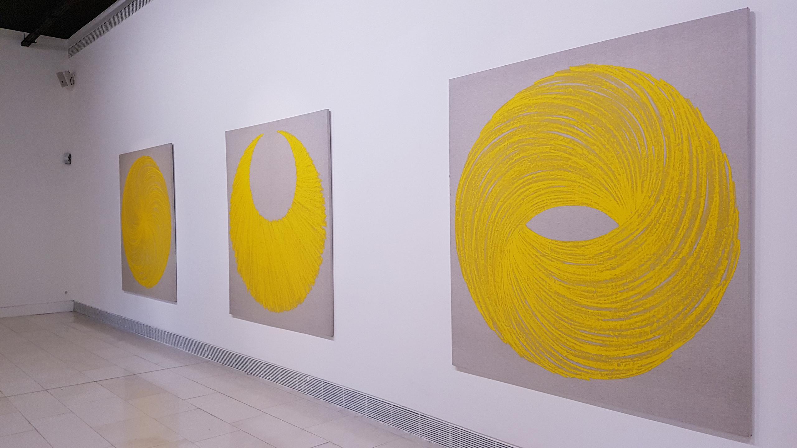 Peintures Chaosmos (1998) entourant la peinture Astre (1998)