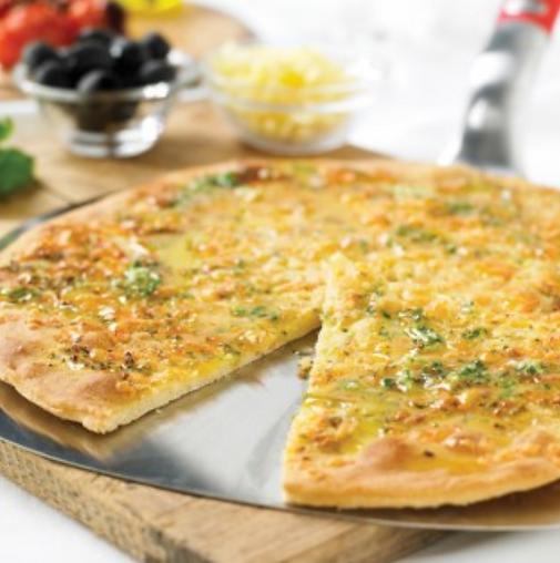 Pizza con ajo y queso _ Weber