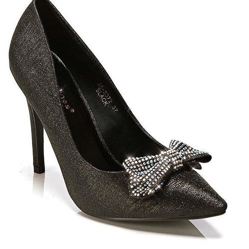 Classy crystal bow heels ✨
