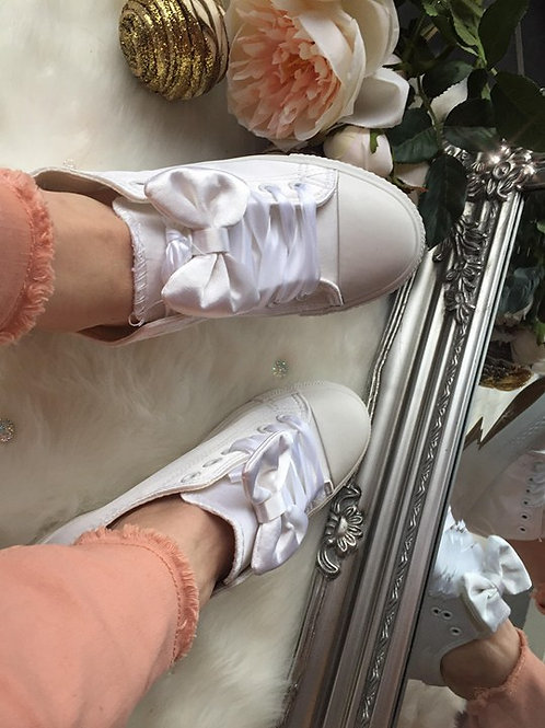 White Pearlescent Bow Pumps