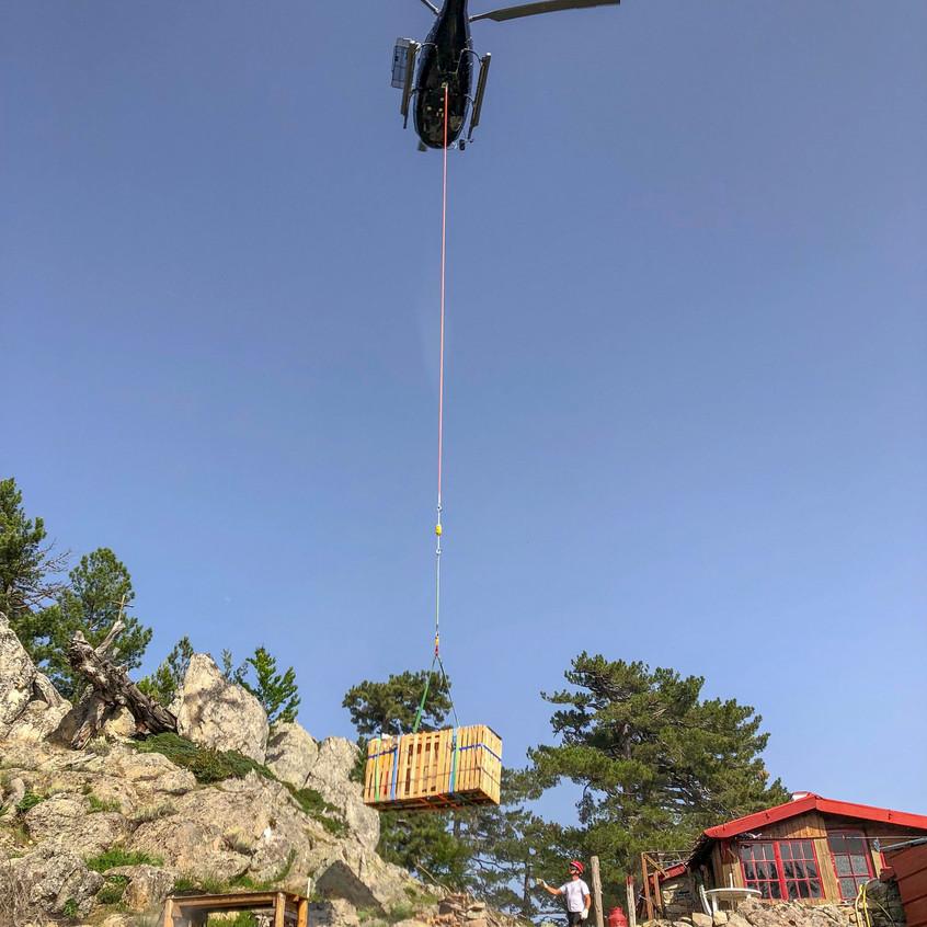 Ravitaillement par hélicoptère