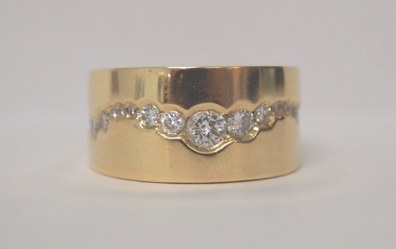 DIAMOND AND GOLD RING 1.JPG