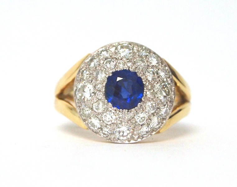 SAPPHIRE AND DIAMOND RING P5224020.JPG